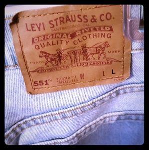 Women's Levi's size Large